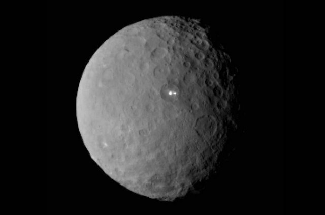 Bright spots on surface of dwarf planet Ceres