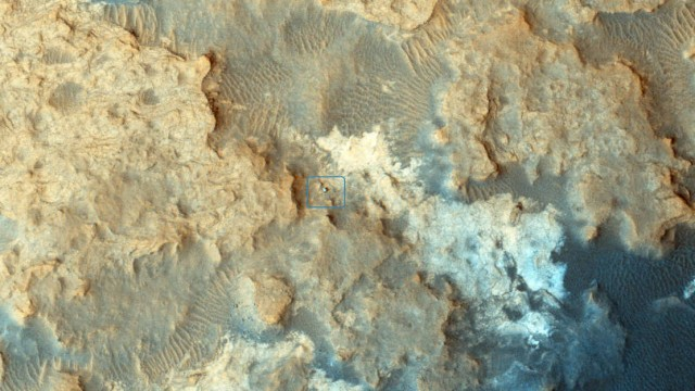 Curiosity Mars Rover from HiRISE