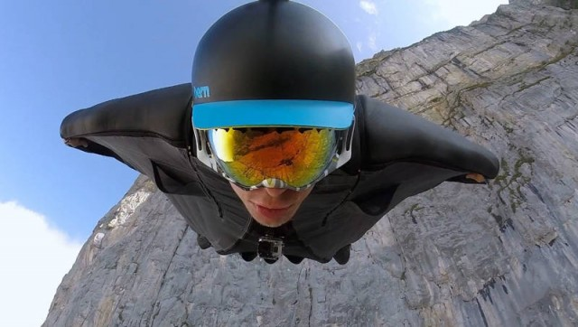 Flying with a wingsuit
