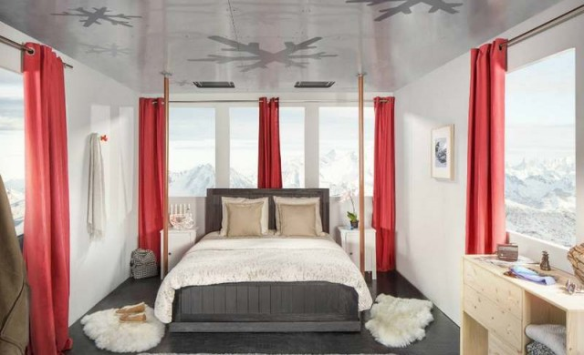 A room suspended above the French Alps (5)