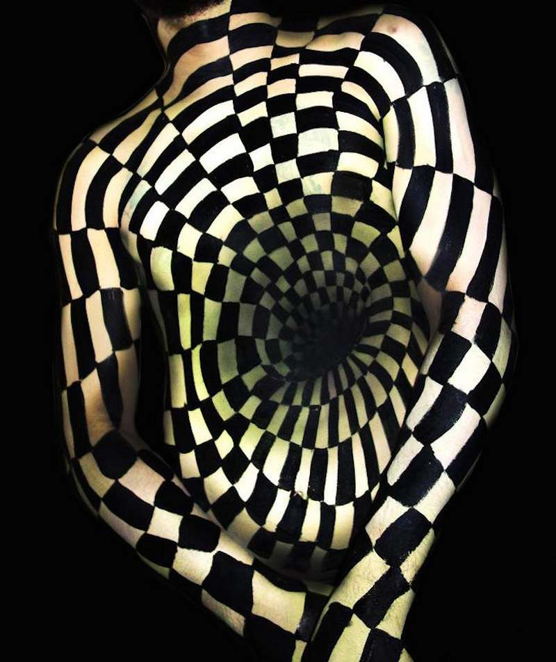optical illusions painting amazing painted illusion paint fletcher natalie 3d based human oregon these paintings skin artist wordlesstech airbrush perception