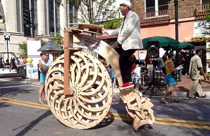 Big Wheel kinetic bicycle