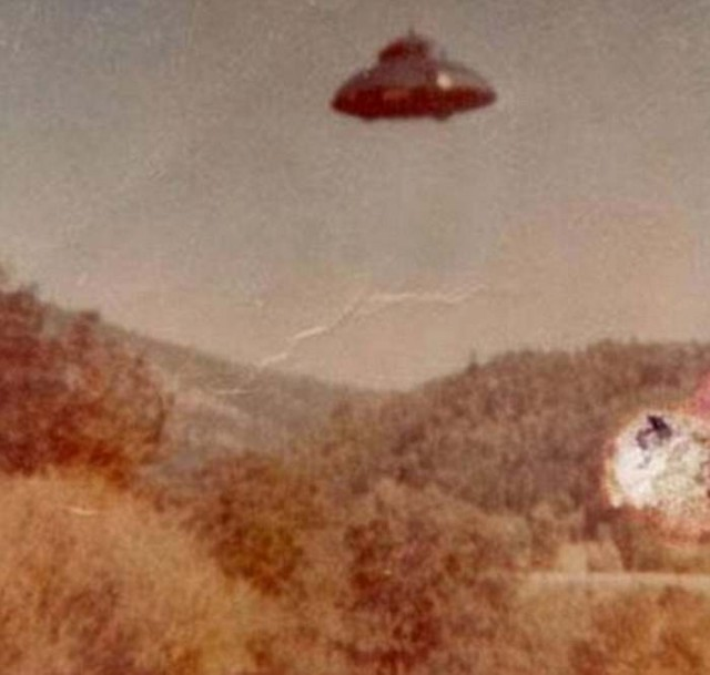 A UFO taken somewhere in the US on June 10, 1964