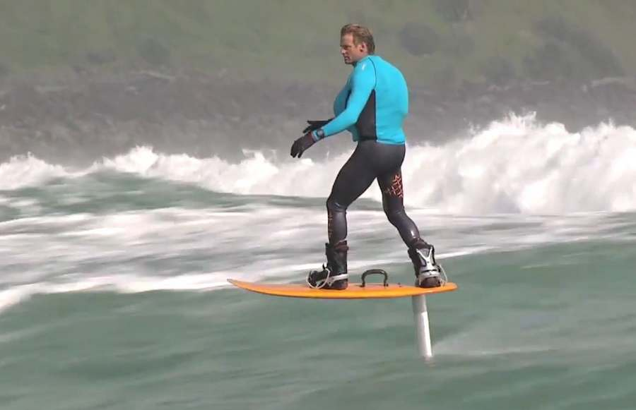 Foil boarding in Raglan (3)
