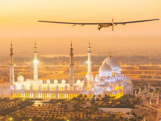 Solar Impulse 2 flies around the world