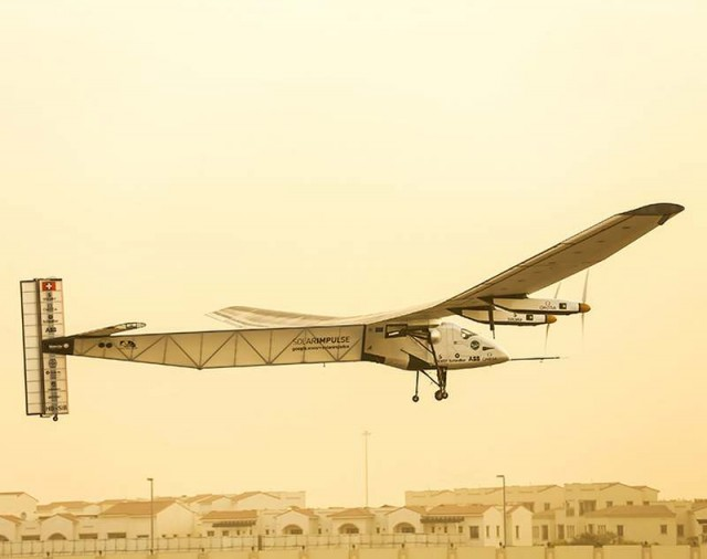 Solar Impulse 2 flies around the world (10)