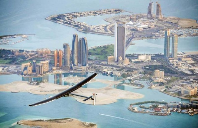 Solar Impulse 2 flies around the world (9)