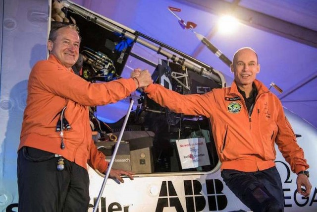 Solar Impulse 2 flies around the world (8)