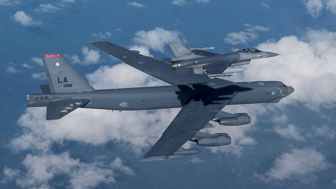 F-16 over a B-52