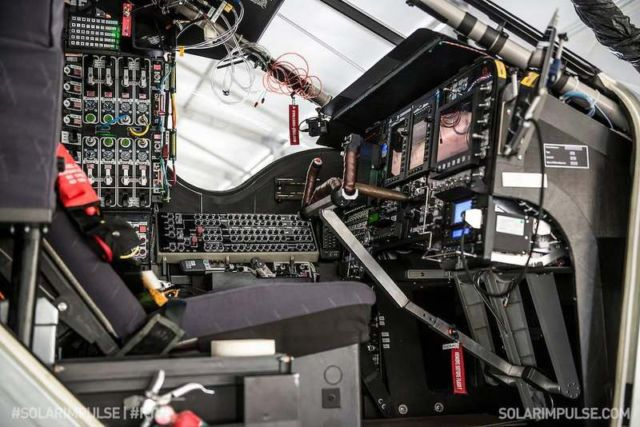 The Cockpit of Solar Impulse (2)