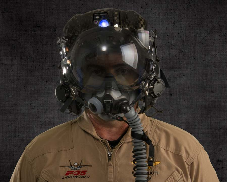 The F-35's Flight Helmet (1)