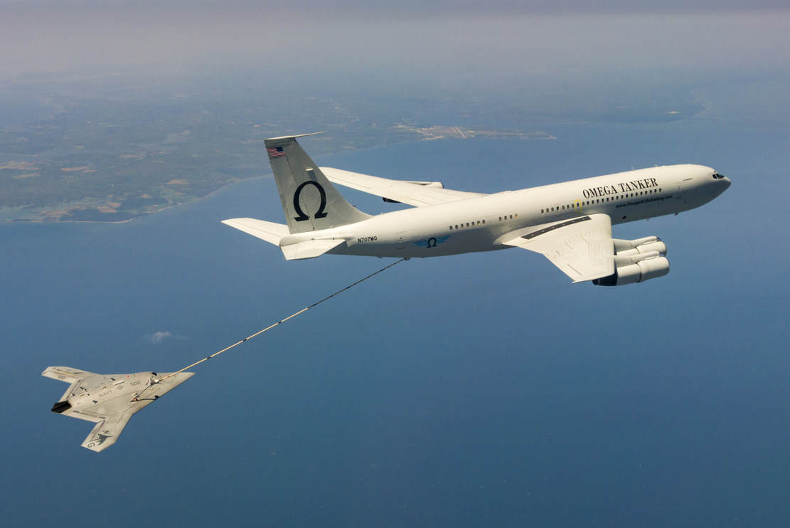 The unmanned X-47B air refueling from a tanker (1)