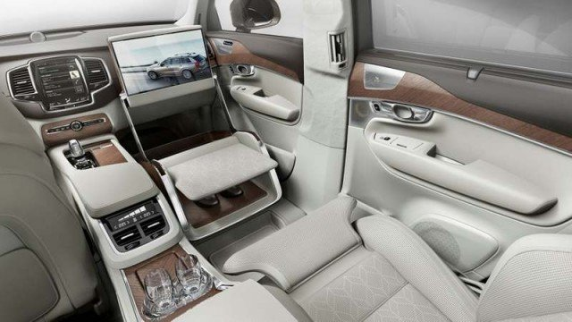 Volvo Excellence Lounge Concept (2)