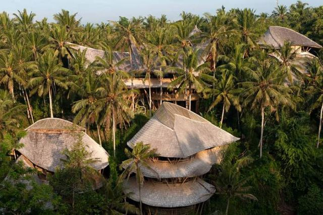Bamboo houses in Indonesia (9)