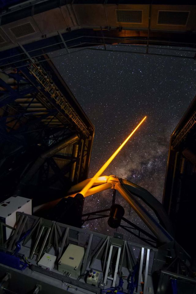 Laser guide star units on Unit Telescope 4 (5)