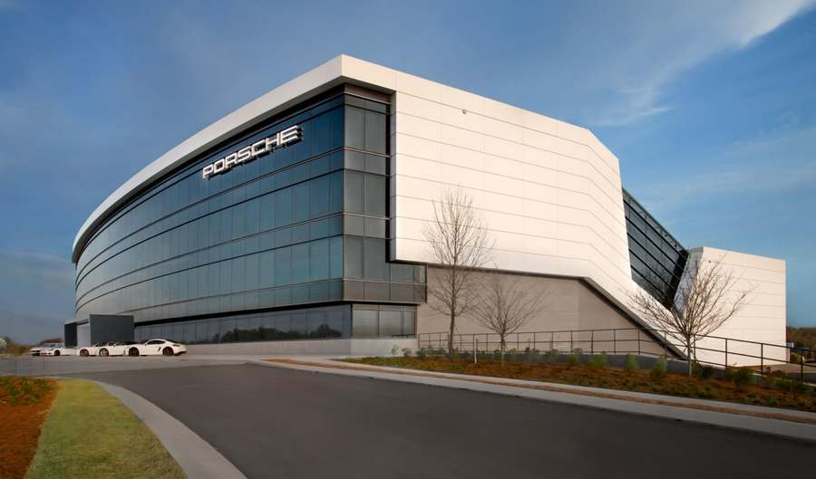 Porsche Experience Center and Headquarters (16)