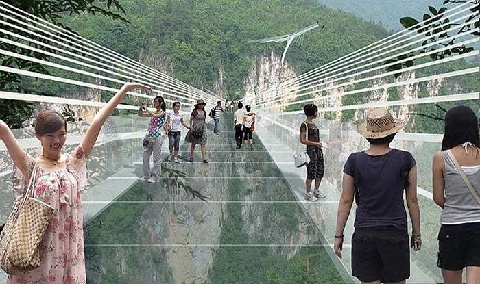 Glass Bridge in Zhangjiajie Grand Canyon (4)