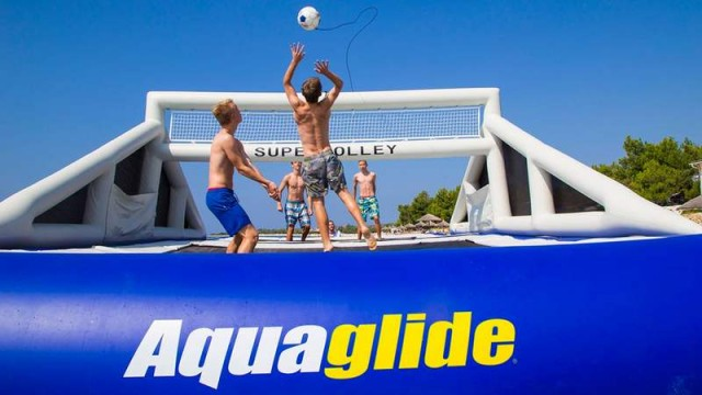 Giant Inflatable Volleyball Court (3)