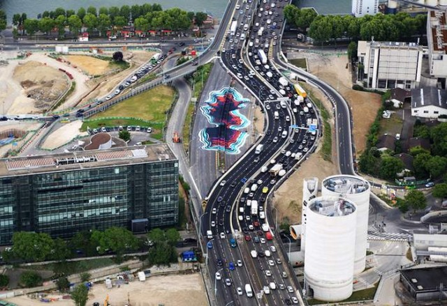 Giant Optical Illusion in Paris by 1010 (1)