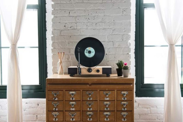 Gramovox Floating vertical record player (3)
