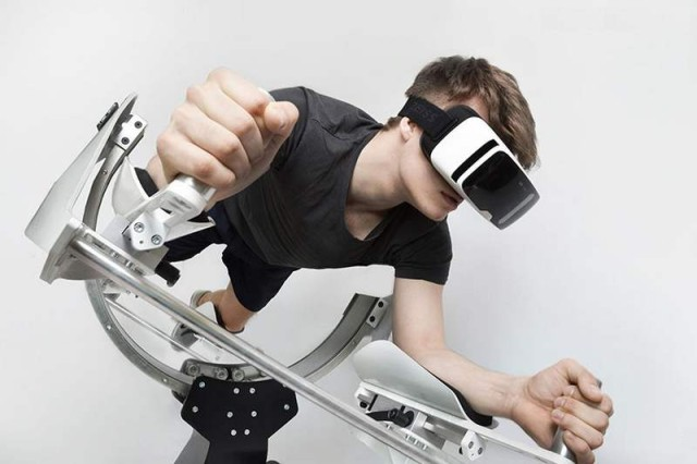 Icaros home gym works with a virtual reality headset (5)