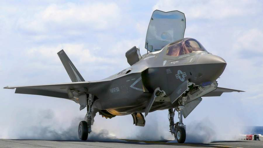 F-35B first Deck Operations