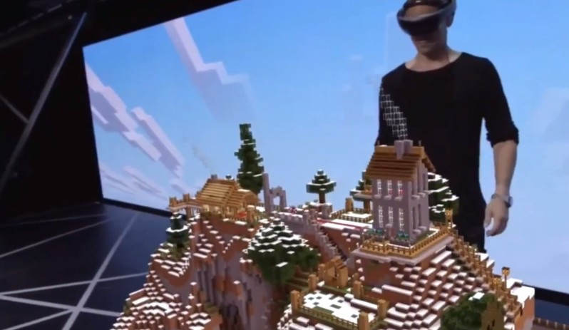 Holographic Minecraft game