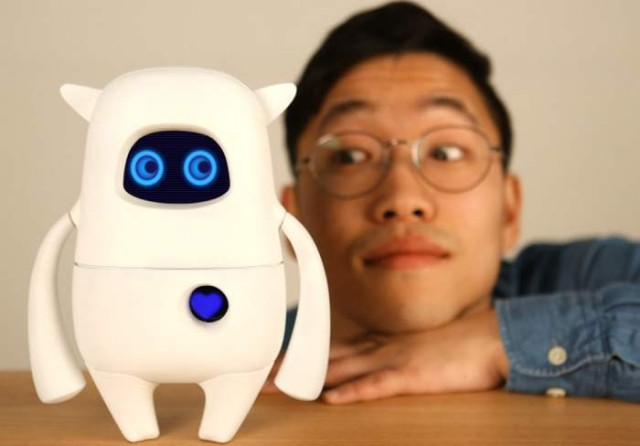 Musio- artificially intelligent robot (2)