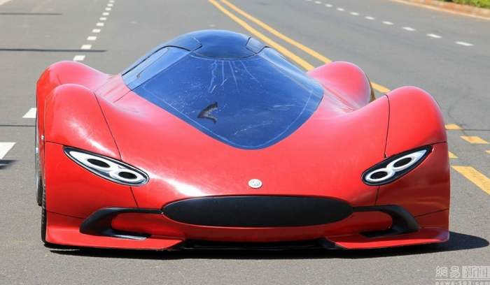 27-year-old Chinese builds futuristic sportscar