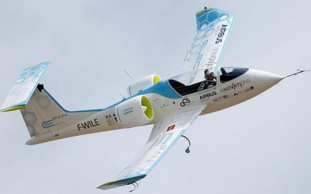 Electric planes made history by flying over the English Channel (6)