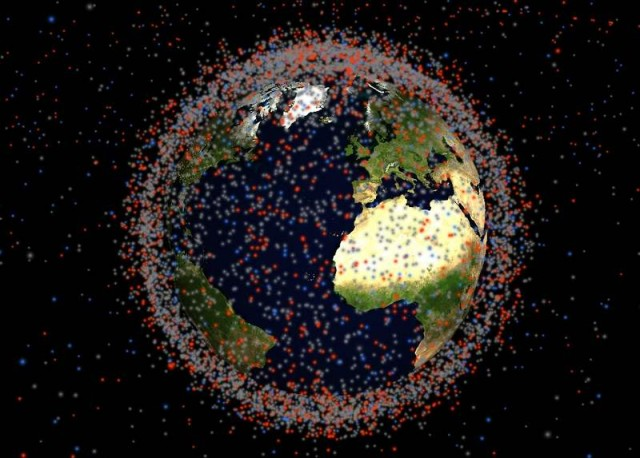 Realtime 3D map of objects in Earth orbit (2)
