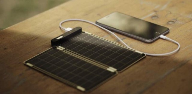 world's thinnest solar charger (3)
