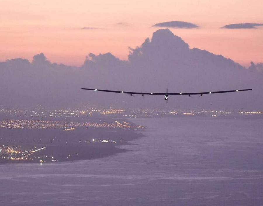 Solar Impulse Record-Breaking Solo Flight to Hawaii (5)
