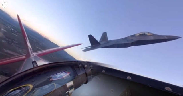 360 video - P-51 and F-22
