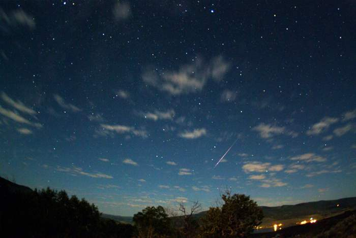 Wordlesstech How And When To Watch The Perseids Meteor