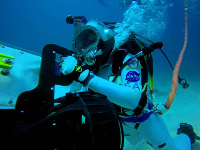 NEEMO Undersea tests for Future Spacewalks