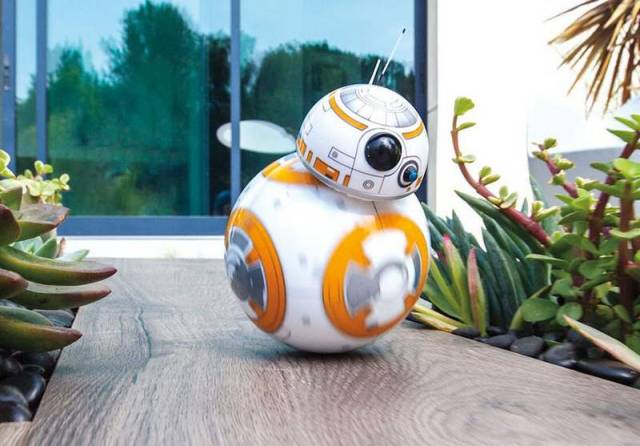 BB-8 new 'Star Wars' toy (3)