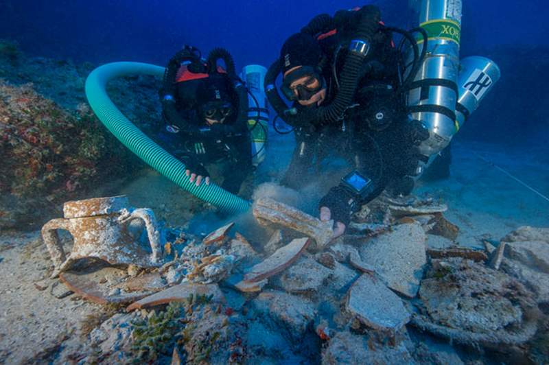 the Antikythera Shipwreck (6)