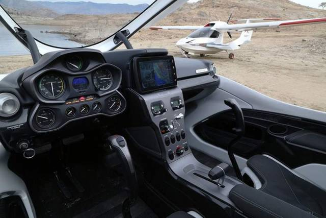 Icon A5 personal aircraft (4)