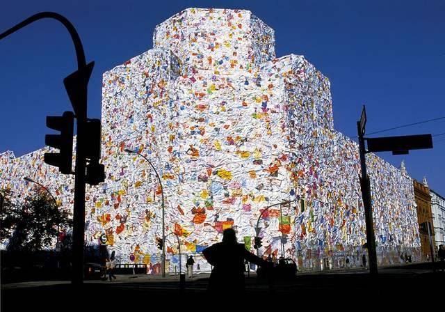 Former Berlin Post office wrapped in thousands of Love Letters