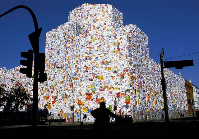 Former Berlin Post office wrapped with Love Letters (6)