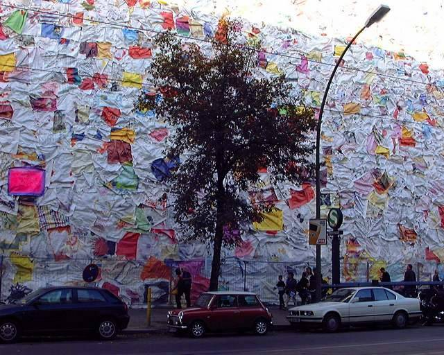Former Berlin Post office wrapped with Love Letters (4)