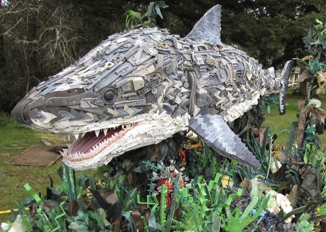 Sculptures Made Entirely Of Beach Waste (9)