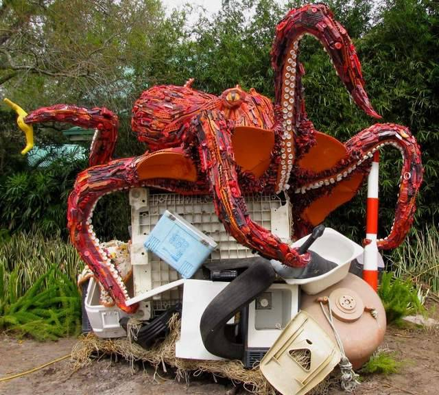 Sculptures Made Entirely Of Beach Waste (6)