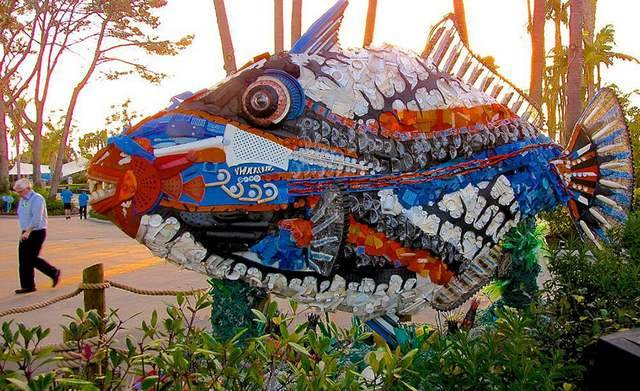 Sculptures Made Entirely Of Beach Waste (1)