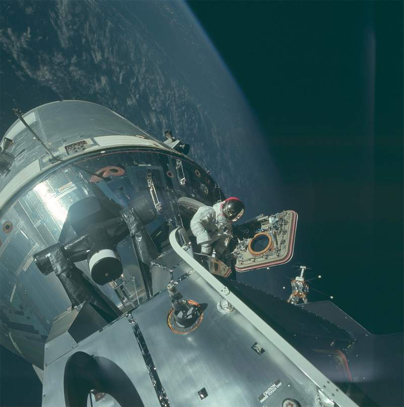 HD photos from the Apollo Missions (11)