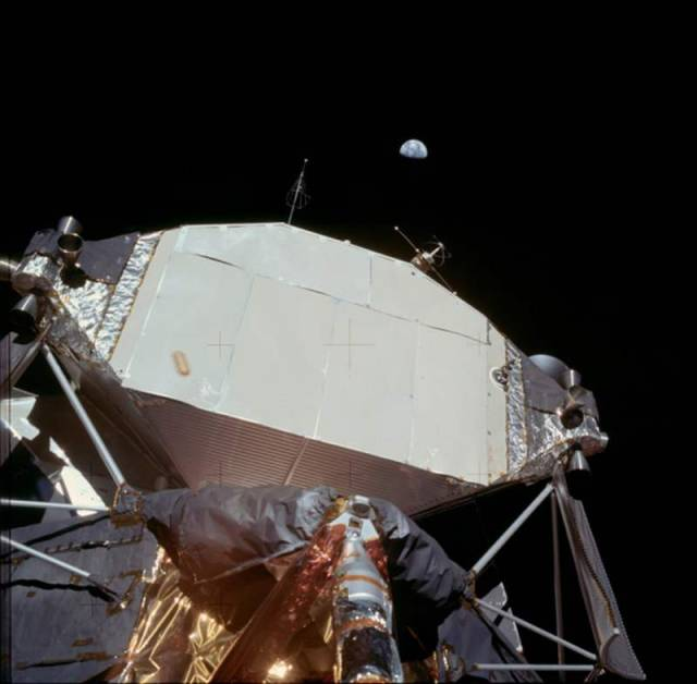 HD photos from the Apollo Missions (6)