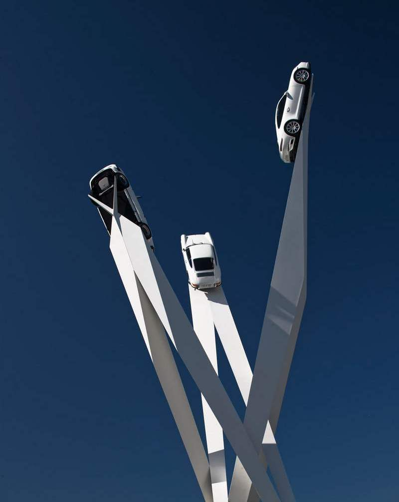 Porsche 911s steel frame sculpture by Gerry Judah (1)