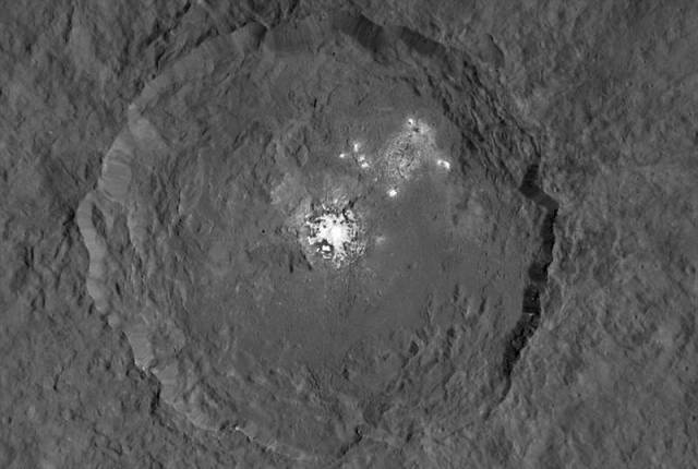 bright spots in Ceres (3)