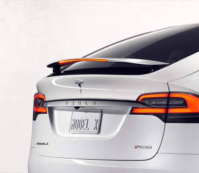 Tesla Model X electric SUV (4)